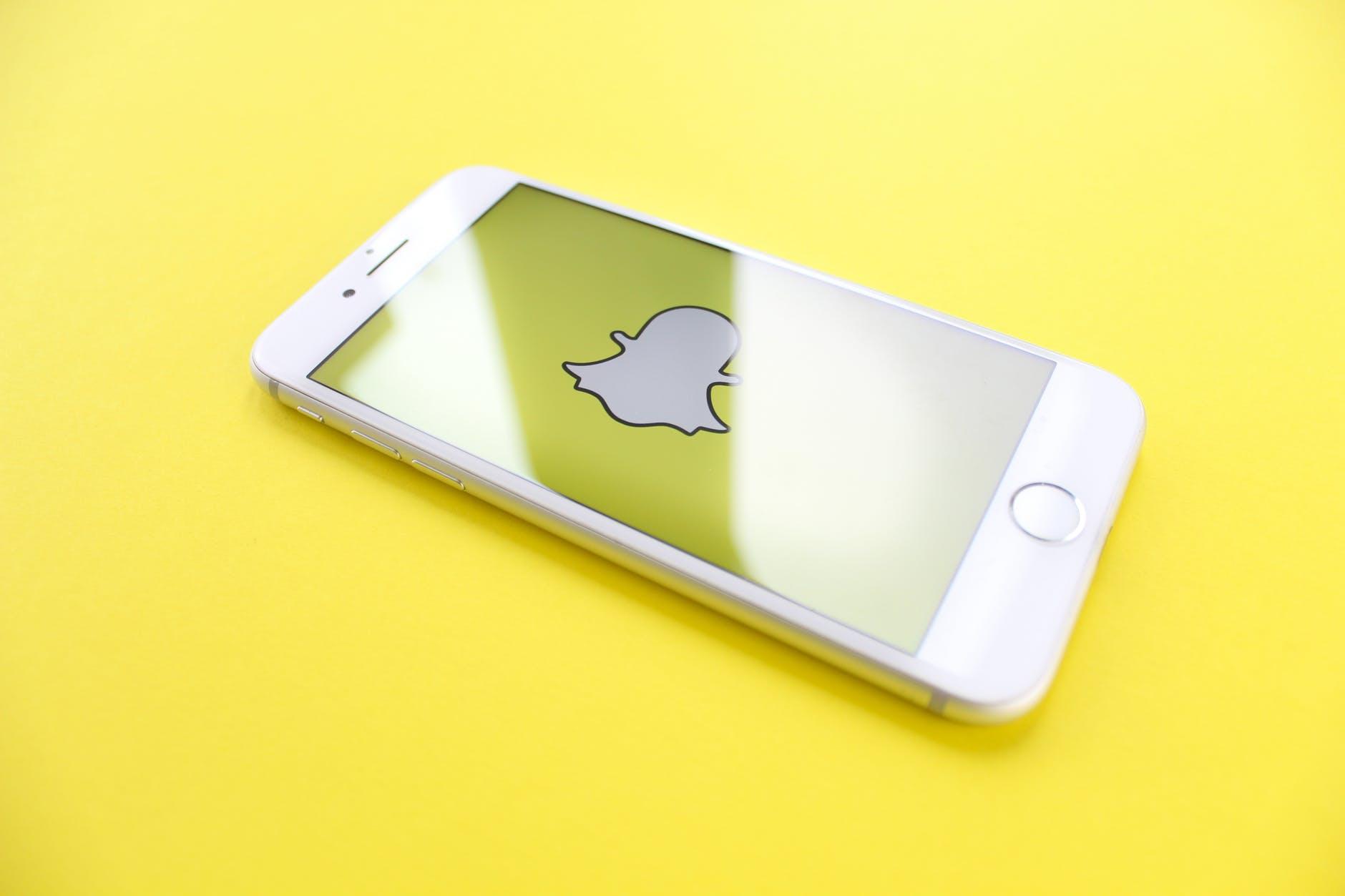 Descopera cum poti face bani din videochat cu Snapchat! Ghid complet