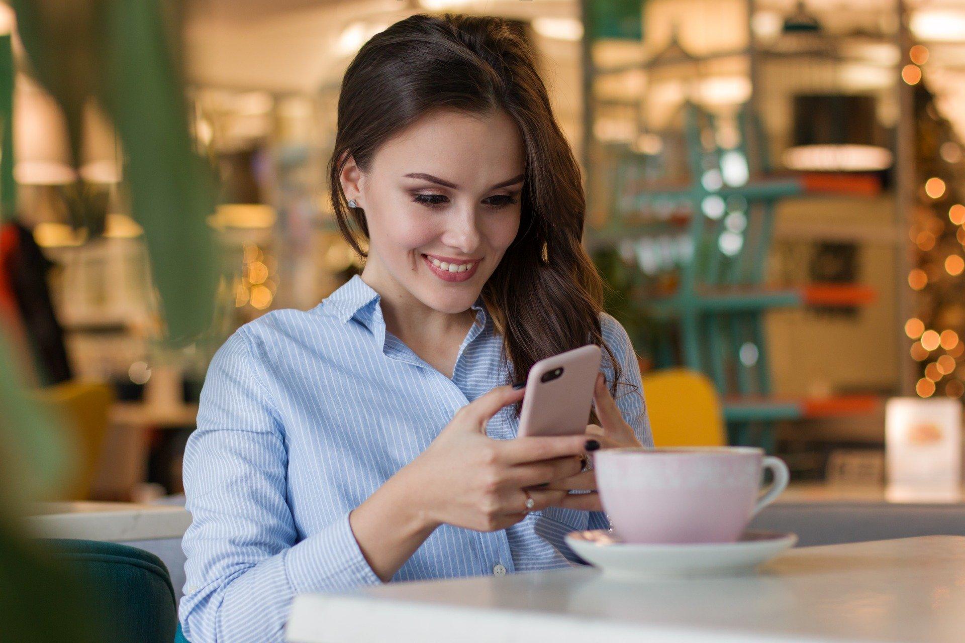 Sextingul pe Snapchat – o alta metoda eficienta de a face bani din videochat!