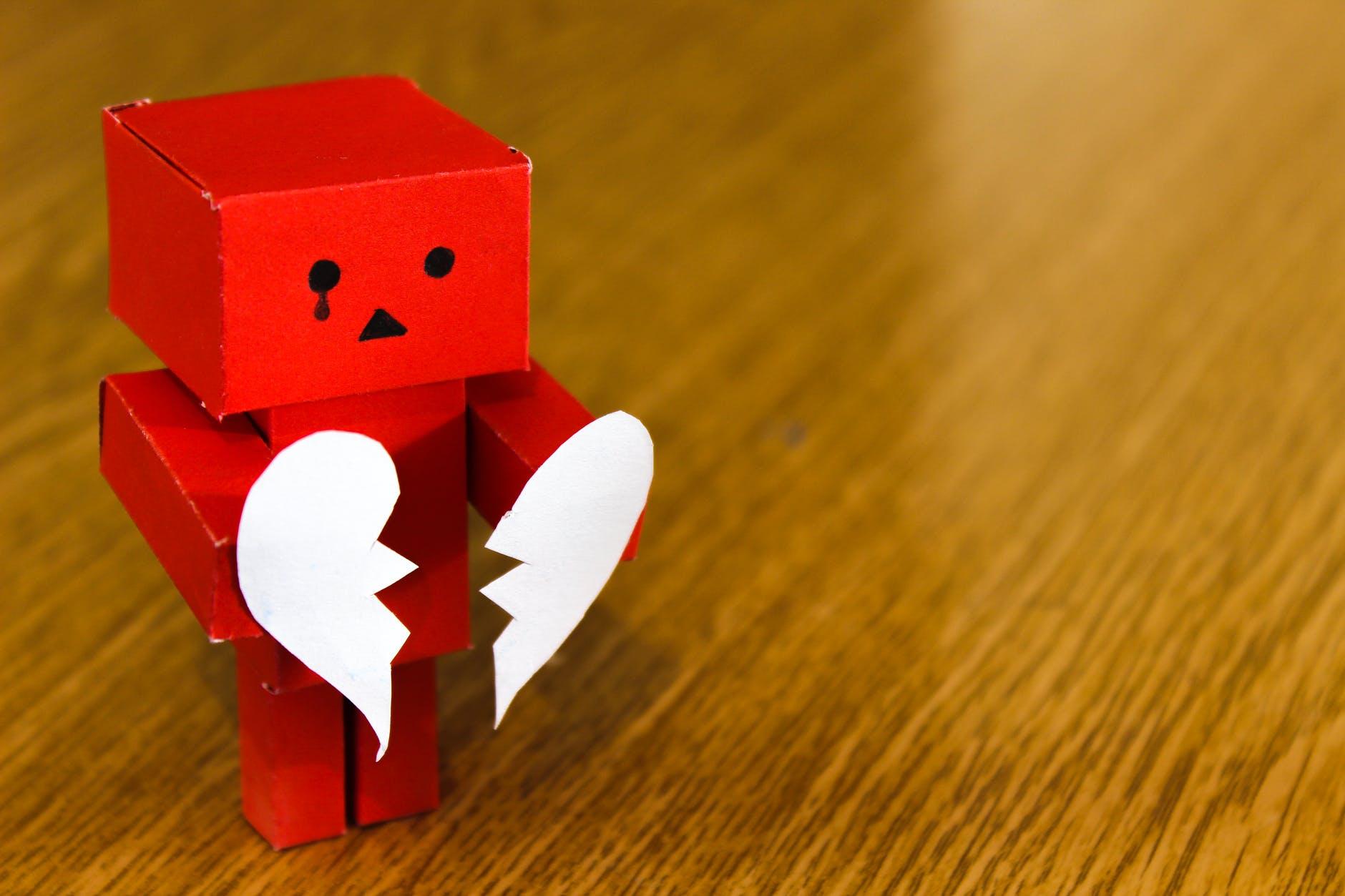 7 lucruri vazute ca acte de infidelitate chiar daca nu implica sex