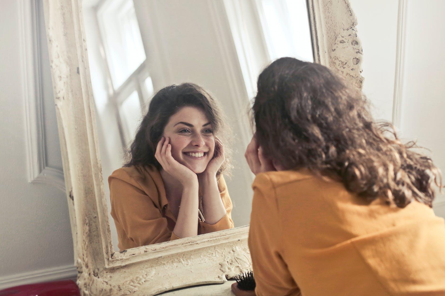 Cum poti sa iti detoxifiezi organismul prin schimbarea rutinei de infrumusetare? – Partea 1